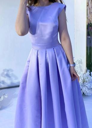 Плаття з атласу