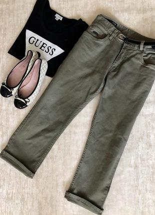 Укороченные джинсы с завышенной посадкой от morgan