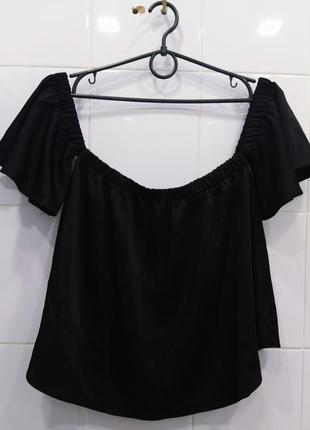 Трендовая атласная блуза на плечики