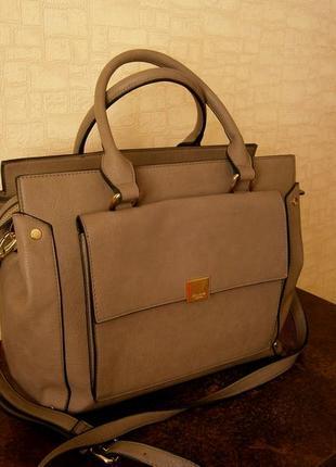 Большая. стильная, повседневная сумка с ремнем на плечо. dune. london