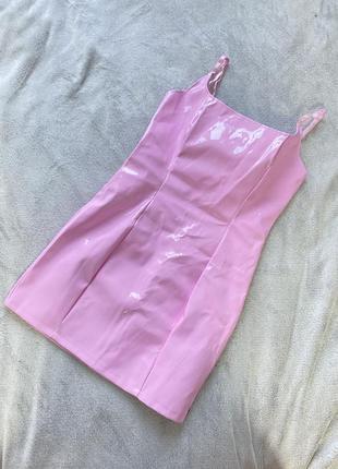 Лаковое платье мини