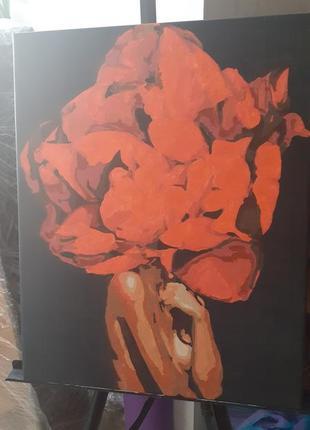 Картинка девушка с пионом на голове