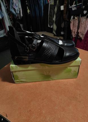 Босоножки сандали туфли лоферы
