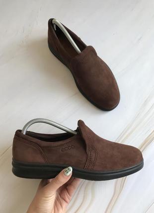Оригінальні туфлі ecco