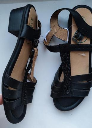 Босоніжки босоножки туфли сандали