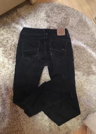 Прямые джинсы известного брэнда