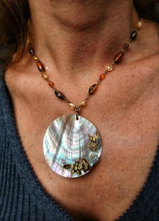Ожерелье колье подвеска бусы натуральная ракушка перламутр круг круглая в этно бохо стиле стразы камни кристаллы