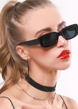 Черные круглые солнцезащитные очки в черной оправе