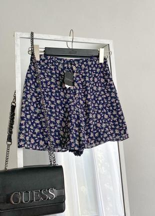 Шифоновые шорты винтаж в цветочный принт с пуговичками