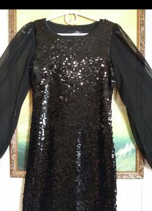 Шикарное платье с паетками и рукавом сеткой