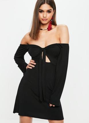Стильное платье со спущенными плечами с завязкой missguided