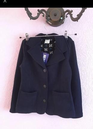 Трикотажный пиджак для девочки для школы на рост 140 и 146