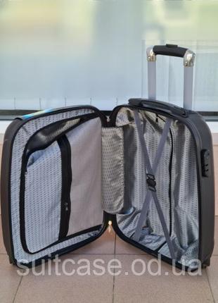Чемодан ,валіза ,отличное качество,кодовый замок ,качественный.6 фото