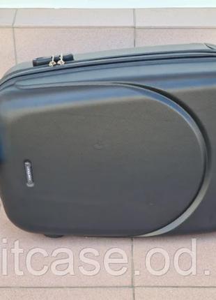Чемодан ,валіза ,отличное качество,кодовый замок ,качественный.4 фото