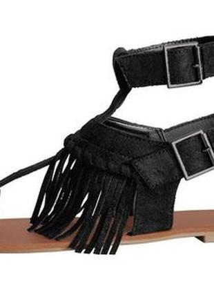 Женские босоножки-гладиаторы на молнии от немецкого бренда esmara
