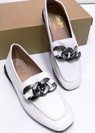 Туфли с цепочками новинка