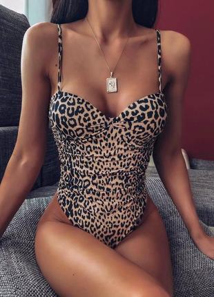 Женский леопадовый купальник