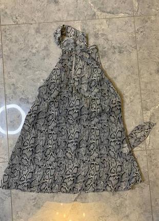 Блуза в змеиный принт с чокером летняя легкая