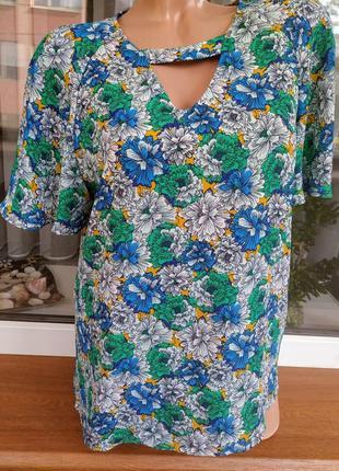 Акция!!! яркий топ блузка с чокером в цветочек.