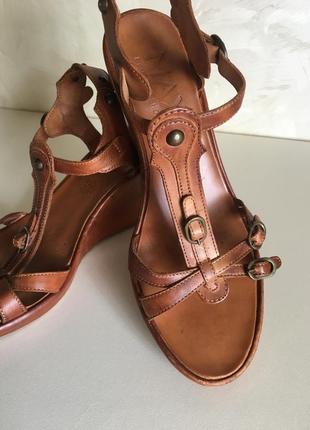 Винтажные кожаные босоножки сандали  max