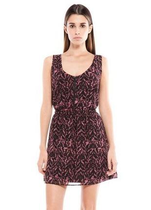 Bershka лёгкое шифоновое платье