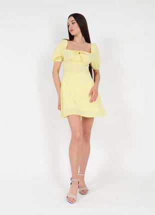 Желтое яркое платье мини