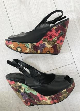 Туфли на платформе, туфлі на платформі з квітами, босоножки на платформе, цветы.