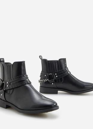 Ботинки жіночі, черевики на низькому каблуку, ботинки короткі, низькі.
