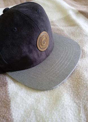 Стильная мужская кепка