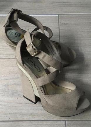 """Туфлі """"new look """"  (розмір 38)"""