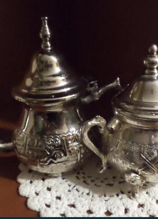 Сахарница и чайник посеребрённые