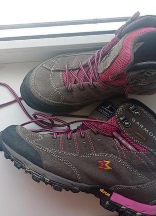 Женские треккинговые ботинки garmont gore-tex  непромокаемыена мембране