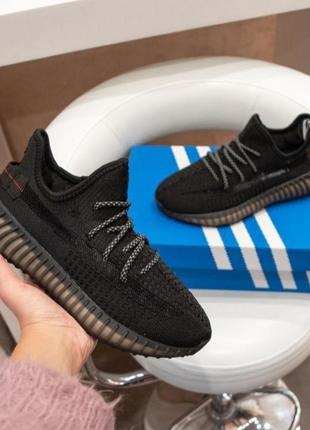 Женские кроссовки adidas yeezy boost черные, сетка