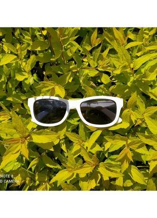 Белые детские солнцезащитные очки с поляризацией, мягкие дужки неломайки