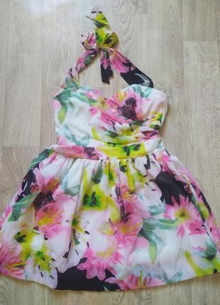 Коктейльное платье в цветочный принт