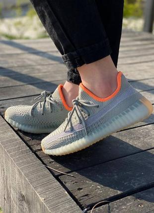 Женские кроссовки adidas yeezy boost 350 v2 desert sage жіночі кросівки