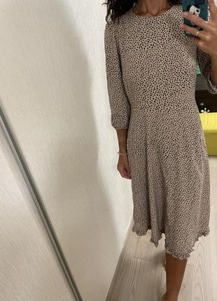 Натуральное платье миди в горошек