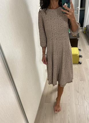 Натуральное платье миди в горошек7 фото