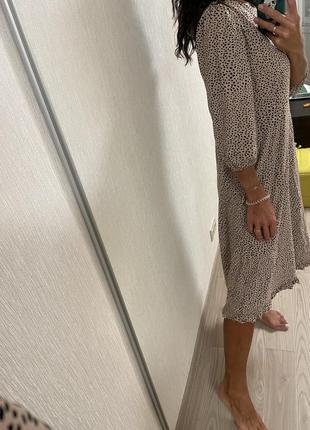 Натуральное платье миди в горошек9 фото