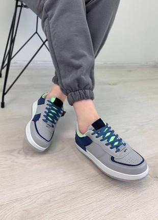 Кроссовки в стиле форс