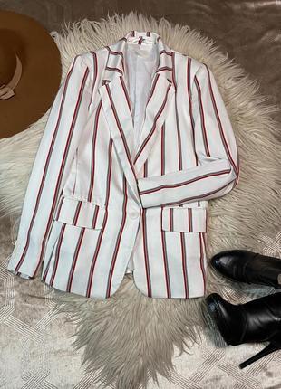 Стильный пиджак размер xs