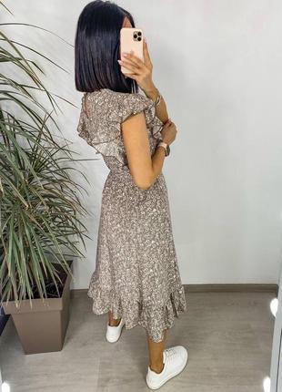 Платье женское нарядное летнее легкое миди длинное свободное с поясом бежевое3 фото
