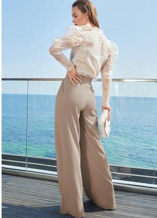 Широкие бежевые брюки-палаццо