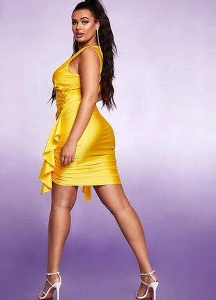 Желтое платье по фигуре, большой размер