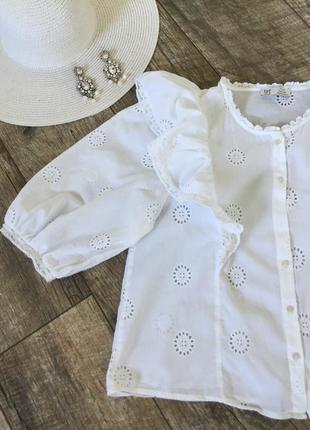 Натуральная блузка с ришелье и оборками trf zara s