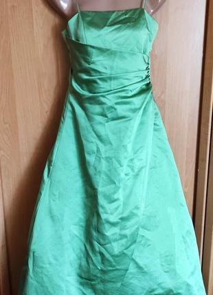 Невероятно красивое пышное бальное  вечернее платье с фатином