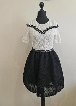 Стильное кружевное платье maje