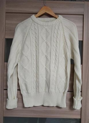 Красивый тёплый свитер в косы цвета айвори