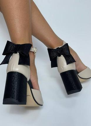 Шкіряні босоніжки бант квадратний носик кожаные босоножки на устойчивом каблуке квадратный нос