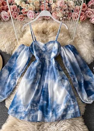 Платье с открытыми плечами объёмными рукавами